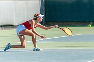 Girls tennis: Flames' Macy Barajas breezes into final