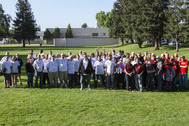 Volunteers show their love for Lodi