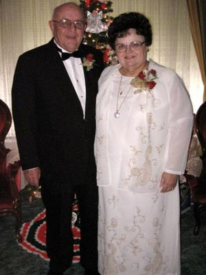Stanley and Edith Grosshans Gruebele celebrate 50 years of marriage