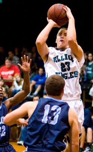 Experience, confidence not lacking for Elliot boys