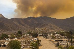 California wildfire destroys 200 homes, buildings