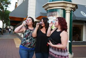 Downtown Lodi merchants, tasting rooms host annual Wine Stroll