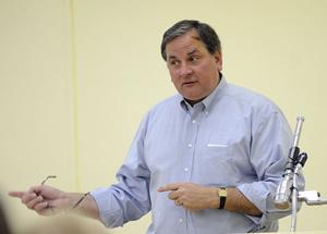 Jack Sieglock speaks to Lodi Citizens in Action