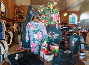 Christmas Open House kicks off in Downtown Lodi
