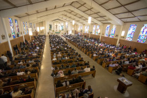Hundreds attend funeral for crash victims
