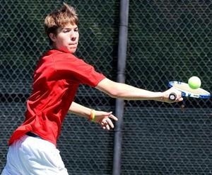 Lodi's Jon Sharp toughs out pain to reach San Joaquin Athletic Association tennis final