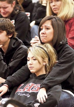 Lodi High students gather to grieve for Stephanie Jones