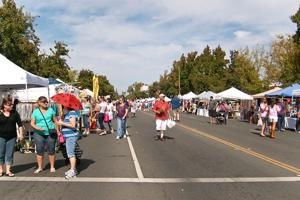 Thousands crowd Downtown Lodi for Street Faire