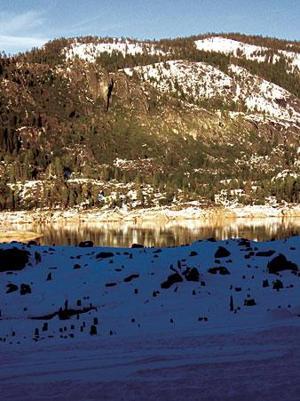 Summertime hot spot Pinecrest Lake turns into winter wonderland