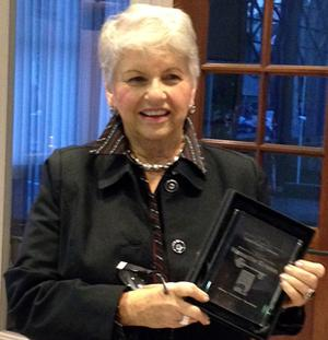 American Association of University Women member Nanette Green receives Library Volunteer of Year award