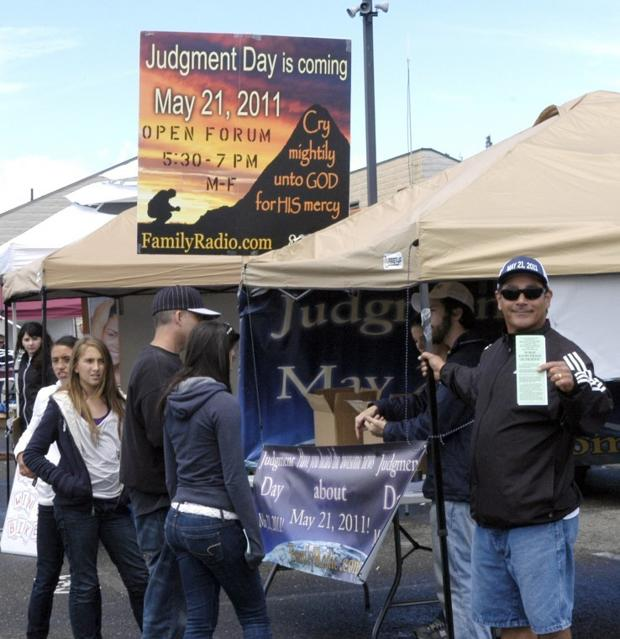 Galt Strawberry Festival attracts good crowd — when dry