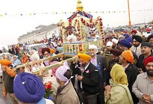 Sikhs celebrate grand opening of new Lodi temple