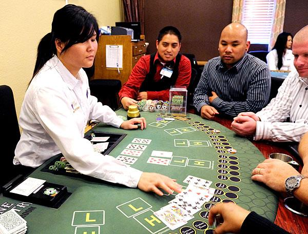 Lodi cardroom aims to be open 24 hours, provide credit and accept personal checks