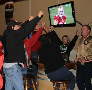 49er fans pack Downtown Lodi bar, remain happy until the bitter end
