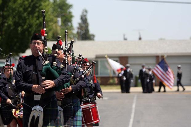 Fire department, Lodi community say their good-byes to Capt. Joe Hansen
