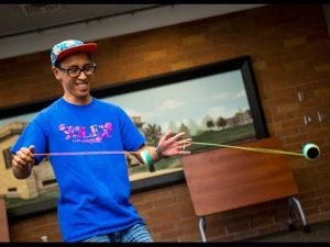 Yolex club shows of yo-yo tricks