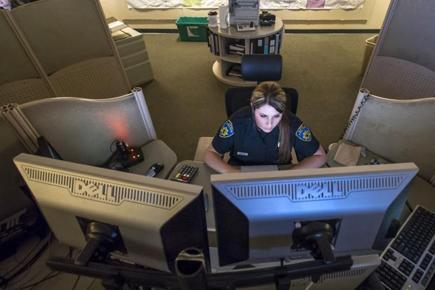 911 dispatchers: Cool, calm, collected