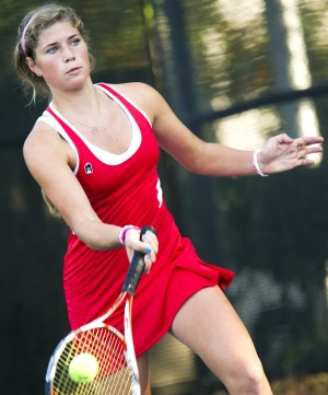 Lodi's Audrey Simon advances to San Joaquin Athletic Association singles tennis championship