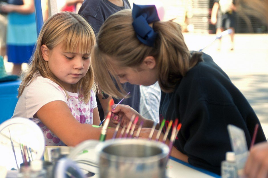 Hundreds flock to Literacy Fair in Downtown Lodi