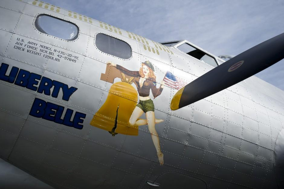 Lodi World War II veteran takes another flight in B-17