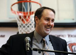 University of the Pacific promotes top assistant Ron Verlin as new basketball coach