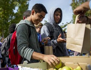'California Thursdays' bring locally sourced food to Lodi schools