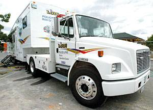 Mobile command post lets firefighters remain on scene for days