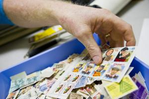 Stamp collector begins club for teens