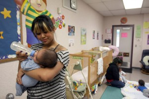 Teen moms seek out New Horizons