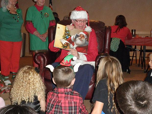 Lodi Elks hold family Christmas party