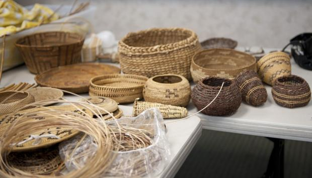 American Indians teach art of basket weaving