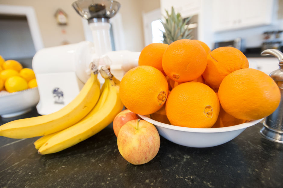 Juicing benefits include weight loss, vitamin-rich diet