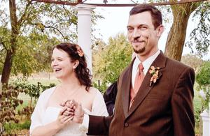 Matthew Huntley, Hettilee Dillon wed at Grace Vineyards