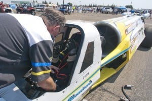 Drag racing draws crowds at Kingdon Airport