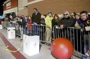 Lodi Shoppers Brave Black Friday Sales : Shoppers wait in line for Target's doors to open during the store's early Black Friday sale in Lodi on Thursday, Nov. 22, 2012.  - Photo by Ian Jonsson/News-Sentinel