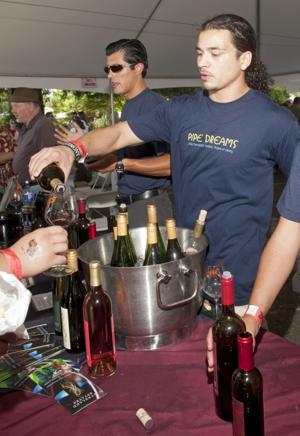 Thousands turn out for Lodi's annual ZinFest