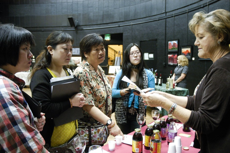 Chinese visitors ooh, aah over Lodi products