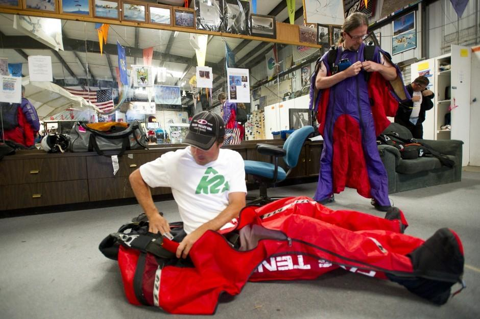 Local parachute repairman helps with 'Transformers' stunts