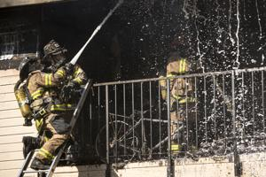 Fire destroys Lodi apartment