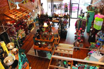 39 Twisted Sisters 39 Home Decor Clothing Store Expands Into Downtown Lufkin Location The Lufkin