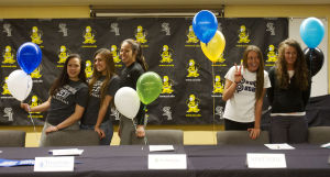 Gallery: 5 CSI Volleyball Players Sign with Colleges