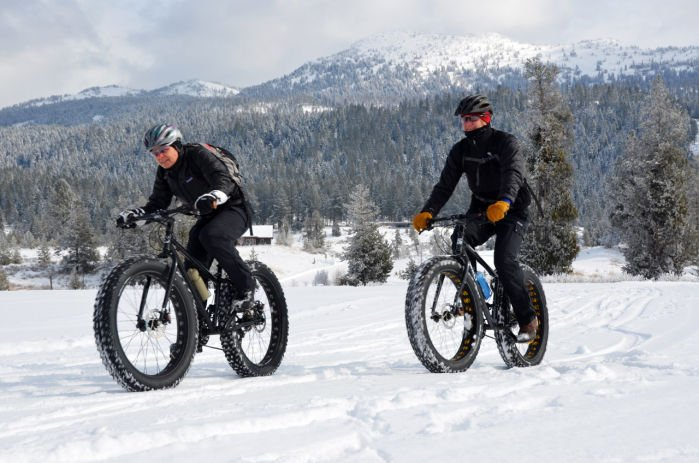 Snow Fun: Clunky Bikes with Fat Tires Catching On
