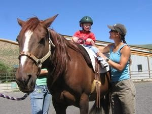 Equine therapy helps Fairfield boy gain his balance