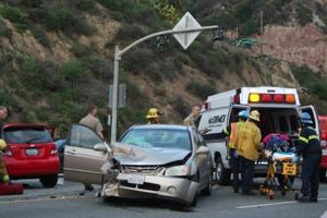 Crash on PCH near Las Flores leaves woman with minor injuries