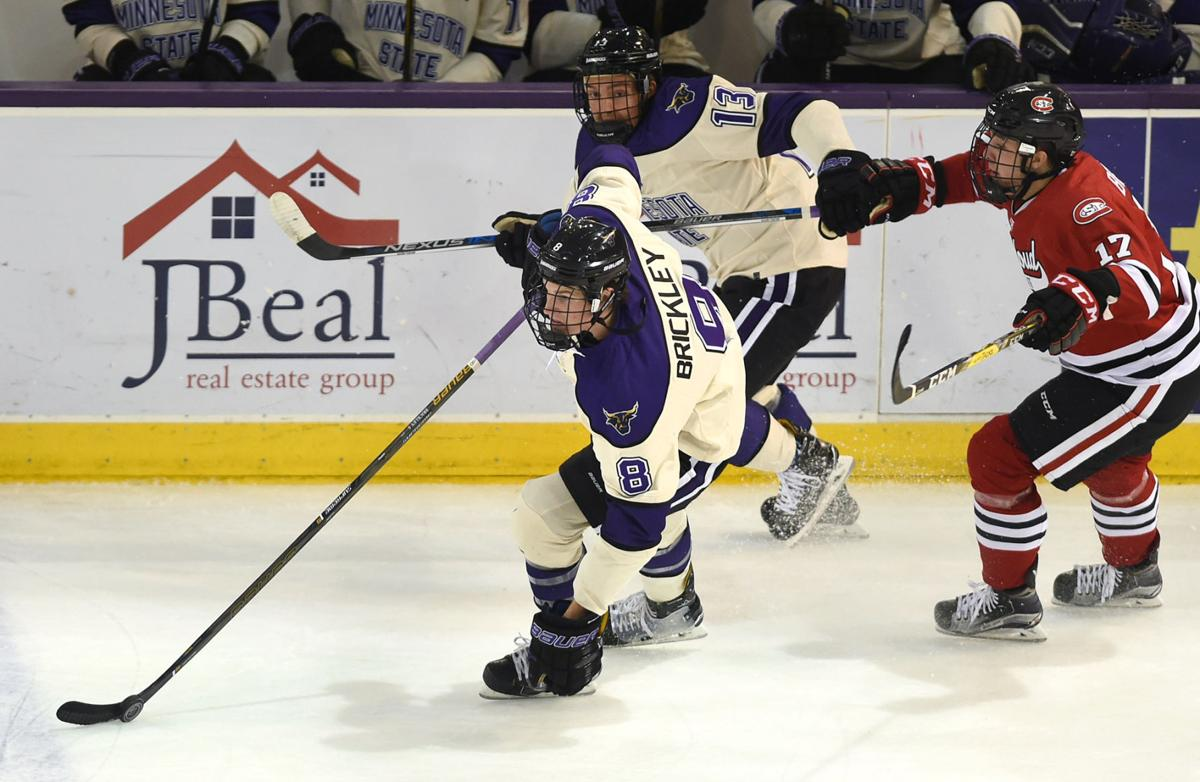 NCAA: Mavericks Sweep St. Cloud State With 6-4 Win