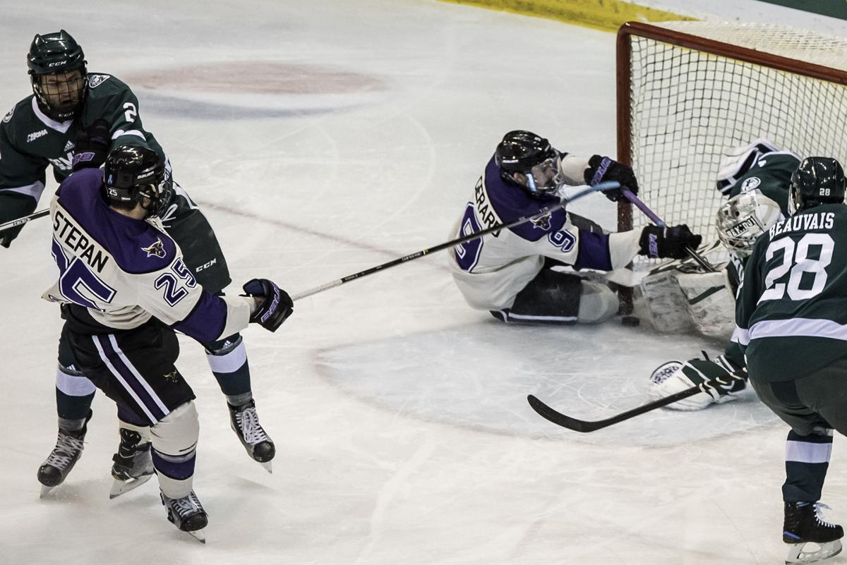 WCHA: Mavericks And Beavers Battle To 1-1 Tie
