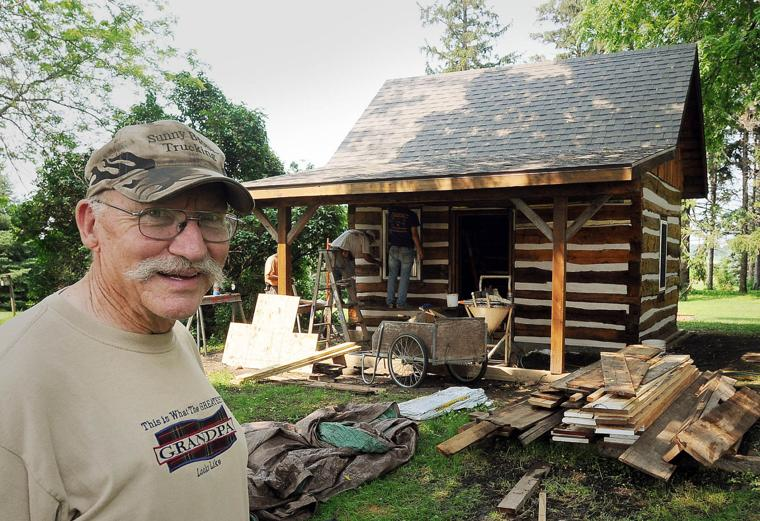 Waseca Farmer Restores Familly 39 S Log Cabin Mankato Free