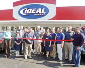 Ideal Market opens in Calhoun
