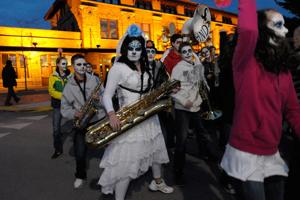 Skeletons unite at 2014 Festival of the Dead