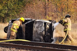 Fiery crash injures 3; passers-by pull mom, 2 daughters from burning SUV